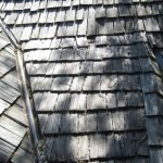 Illinois wood shingles installation - old, deteriorated wood shingles roof